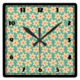Relógio Quadrado Margarida feliz do Hippie chique de Boho