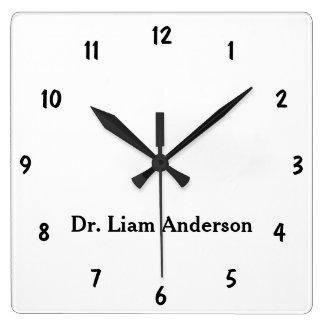 Relógio Quadrado Monograma 3d personalizado do roteiro planície