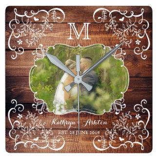 Relógio Quadrado Monograma de madeira do painel da foto rústica do