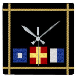 Relógio Quadrado Monograma marítimo náutico da bandeira de sinal da
