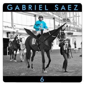 Relógio Quadrado Movimentação de Gabriel Sáez-Foxhall