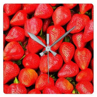 Relógio Quadrado Muitas morangos!
