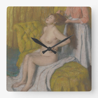 Relógio Quadrado Mulher que tem seu cabelo penteado