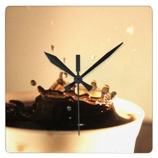 Relógio Quadrado O café espirra