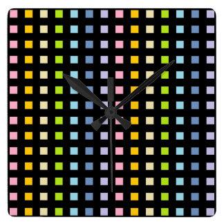 Relógio Quadrado O mini arco-íris Pastel esquadra o preto