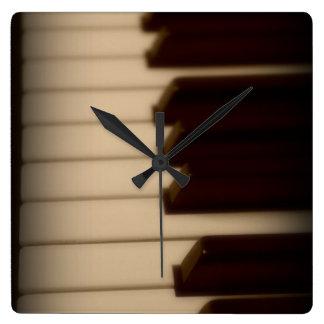 Relógio Quadrado O piano fecha o pulso de disparo quadrado