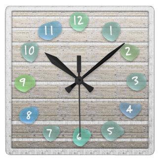 Relógio Quadrado Olhar de vidro da madeira lançada costa da praia