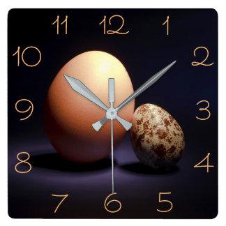 Relógio Quadrado Ovos da galinha e de codorniz no amor