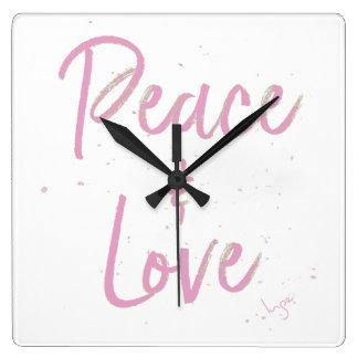Relógio Quadrado Paz-e-Amor-Cor-de-rosa