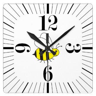 Relógio Quadrado Pequenos bonitos Bumble retro moderno da abelha