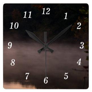 Relógio Quadrado Pesca nevoenta adiantada