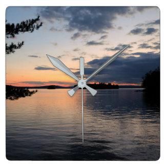 Relógio Quadrado Por do sol sobre o lago Maine Millinocket da ilha