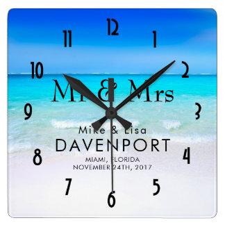 Relógio Quadrado Praia tropical com um casamento do mar de turquesa