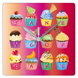 Relógio Quadrado Presentes cozidos do monograma dos cupcakes doce