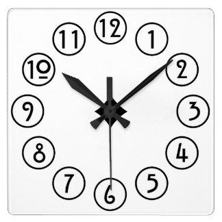 Relógio Quadrado Preto limpo e simples no branco