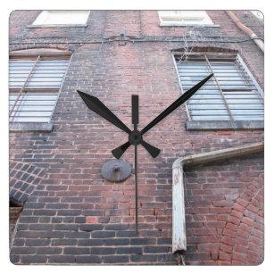 ebd5c4d8adf Relógio Quadrado Pulso de disparo de parede do tijolo