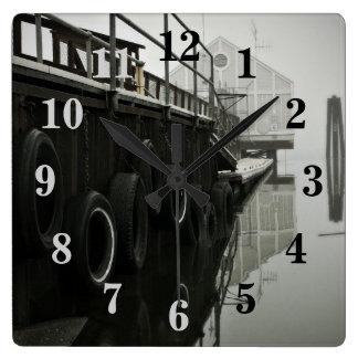 Relógio Quadrado Pulso de disparo de parede numerado doca do