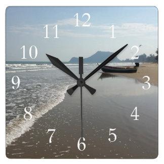 Relógio Quadrado Pulso de disparo do barco da praia