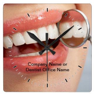 Relógio Quadrado Pulsos de disparo do logotipo de Dental Escritório