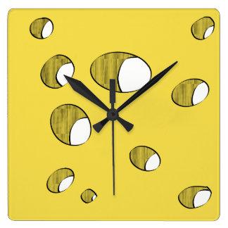 Relógio Quadrado Queijo com furos