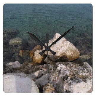 Relógio Quadrado Rochas do oceano no pulso de disparo de Jamaica