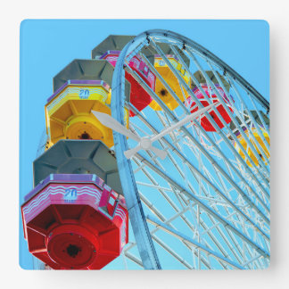 Relógio Quadrado Roda de Ferris no cais de Santa Monica, Califórnia
