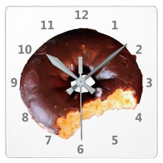 Relógio Quadrado Rosquinha do bolo amarelo do fosco do chocolate