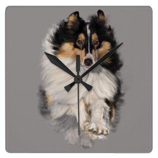 Relógio Quadrado Shellie no movimento