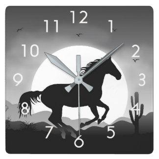 Relógio Quadrado Silhueta do cavalo no pulso de disparo de parede
