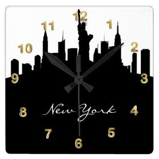Relógio Quadrado Skyline preto e branco de New York
