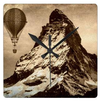 Relógio Quadrado Steampunk Matterhorn