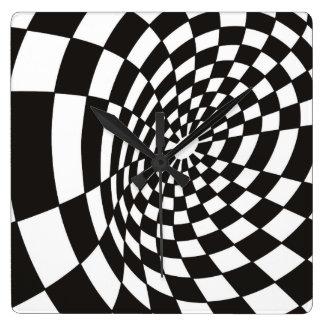 Relógio Quadrado Tabuleiro de damas entortado em preto e branco