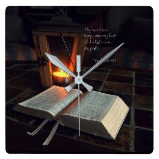 Relógio Quadrado Thy palavra é uma lâmpada…
