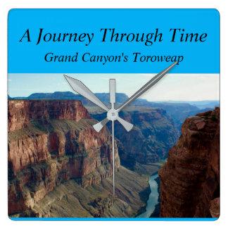 Relógio Quadrado Uma viagem com o tempo