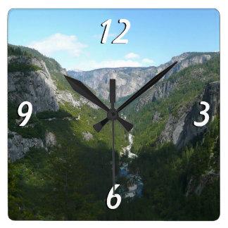Relógio Quadrado Vale de Yosemite no parque nacional de Yosemite