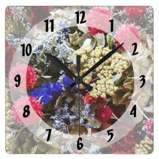 Relógio Quadrado Variedade de flores secadas