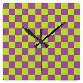 Relógio Quadrado Verde limão e roxo Checkered