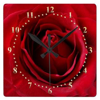 Relógio Quadrado vermelho escuro aumentou