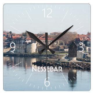 Relógio Quadrado Vista na cidade búlgara famosa Nessebar