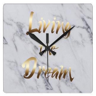 Relógio Quadrado Vivendo a tipografia de inspiração do ouro do