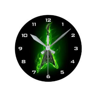 Relógio Redondo A guitarra no verde arde o pulso de disparo de