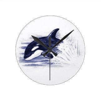Relógio Redondo A orca do bebê salta