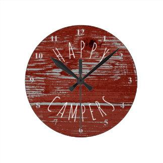 Relógio Redondo Acampamento rústico vermelho da madeira | do