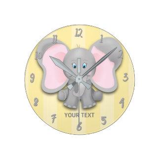 Relógio Redondo Amarelo pequeno do elefante & berçário