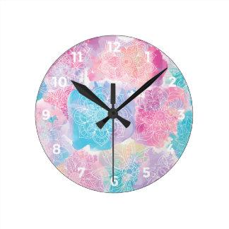 Relógio Redondo As mandalas da aguarela coloridas espirram o boho