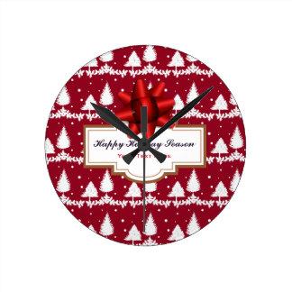 Relógio Redondo Azevinho e neve vermelhos dos pinheiros