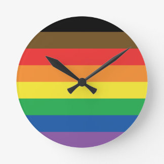 Relógio Redondo Bandeira expandida LGBT customizável do arco-íris