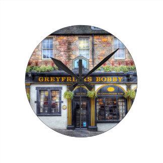 Relógio Redondo Bar Edimburgo de Greyfriars Bobby