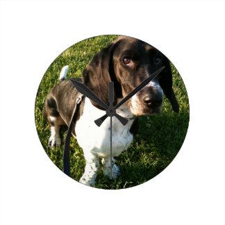 Relógio Redondo Basset Hound adorável Snoopy