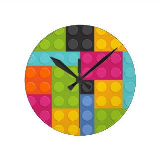 Relógio Redondo blocos de apartamentos cor-de-rosa